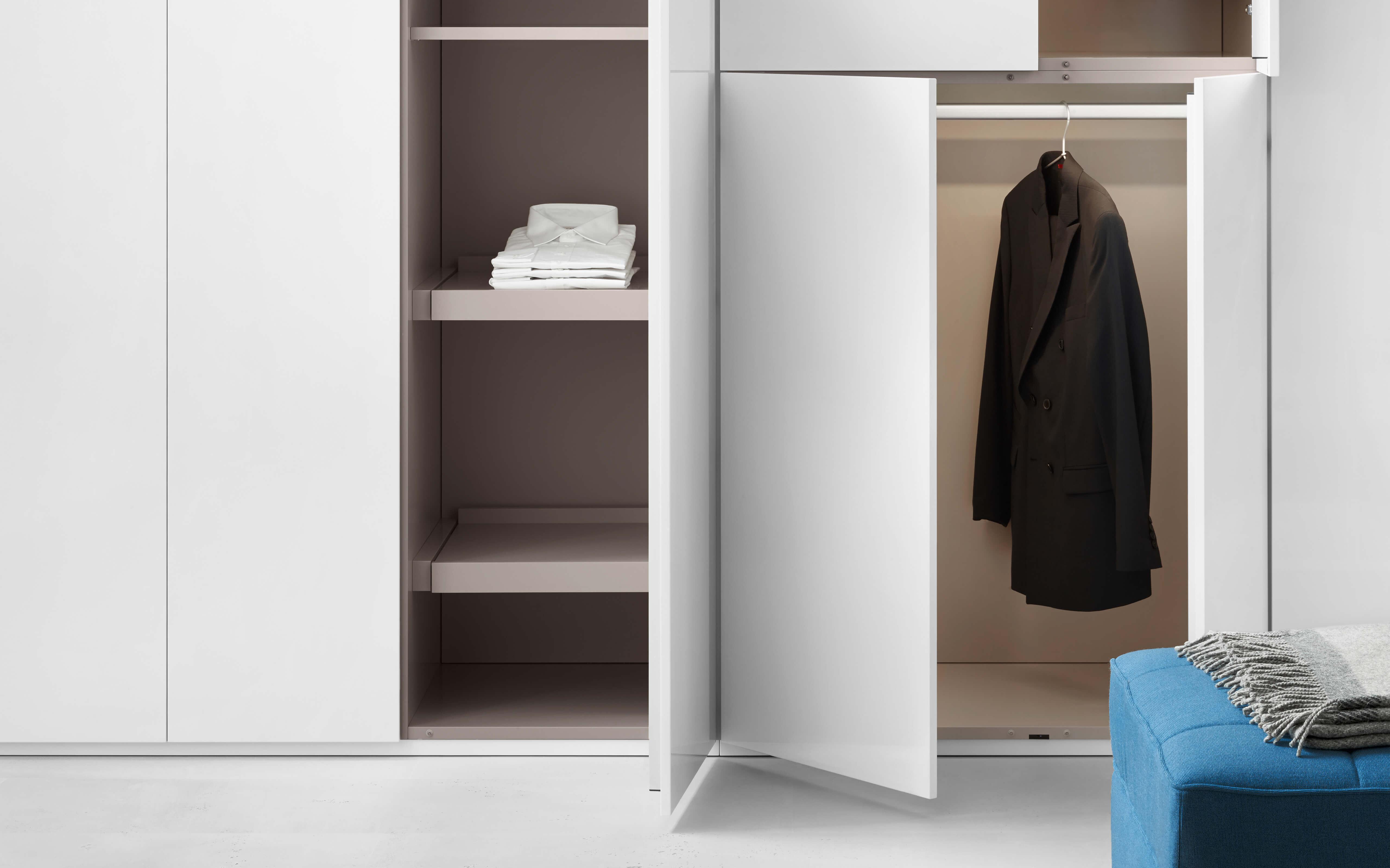 line wardrobe. Black Bedroom Furniture Sets. Home Design Ideas