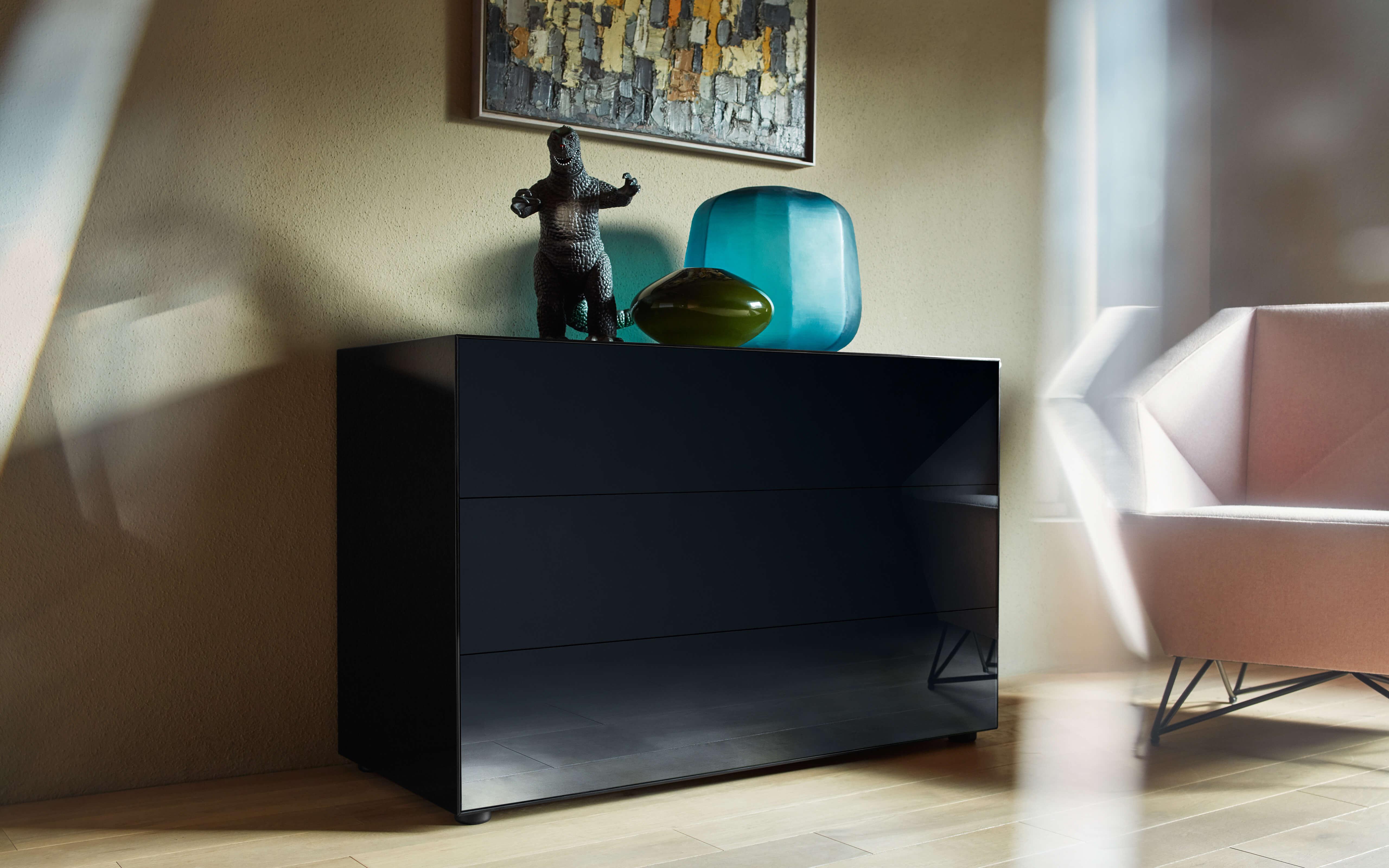 nex glamour. Black Bedroom Furniture Sets. Home Design Ideas